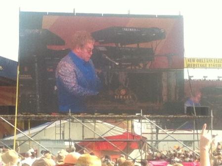 Elton Rocking