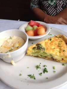 Veggie Quiche, cheese grits, fruit